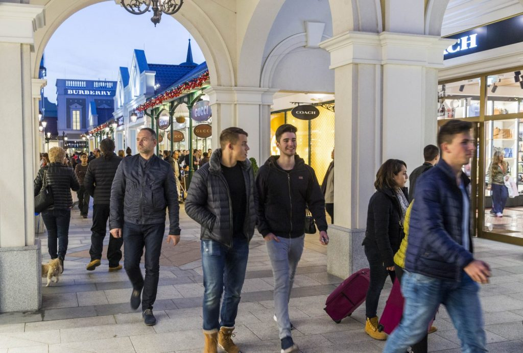 vienna-day-trip-parndorf-outlets-shopping