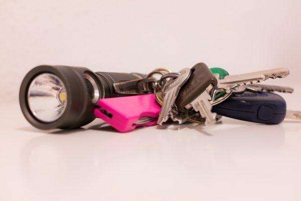best-keychain-flashlights-for-travel