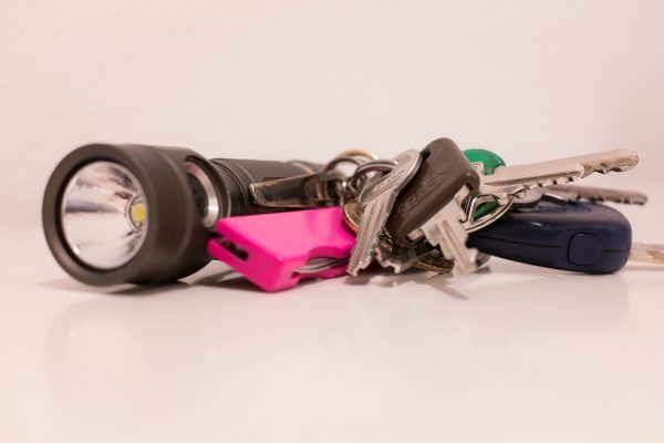 best-keychain-flashlights-for-travel