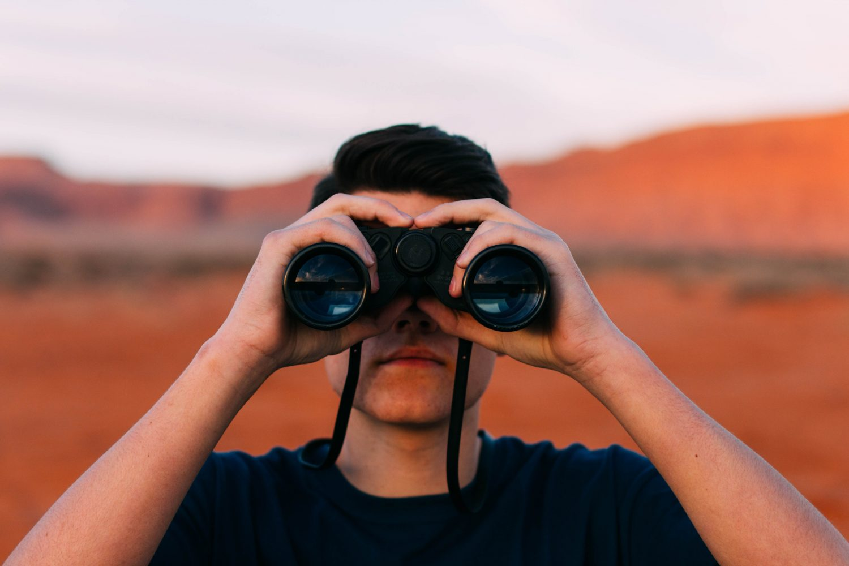 best-compact-binoculars-for-travel-2017