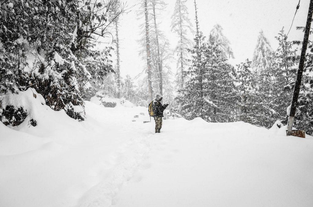 best-winter-hiking-gloves-05
