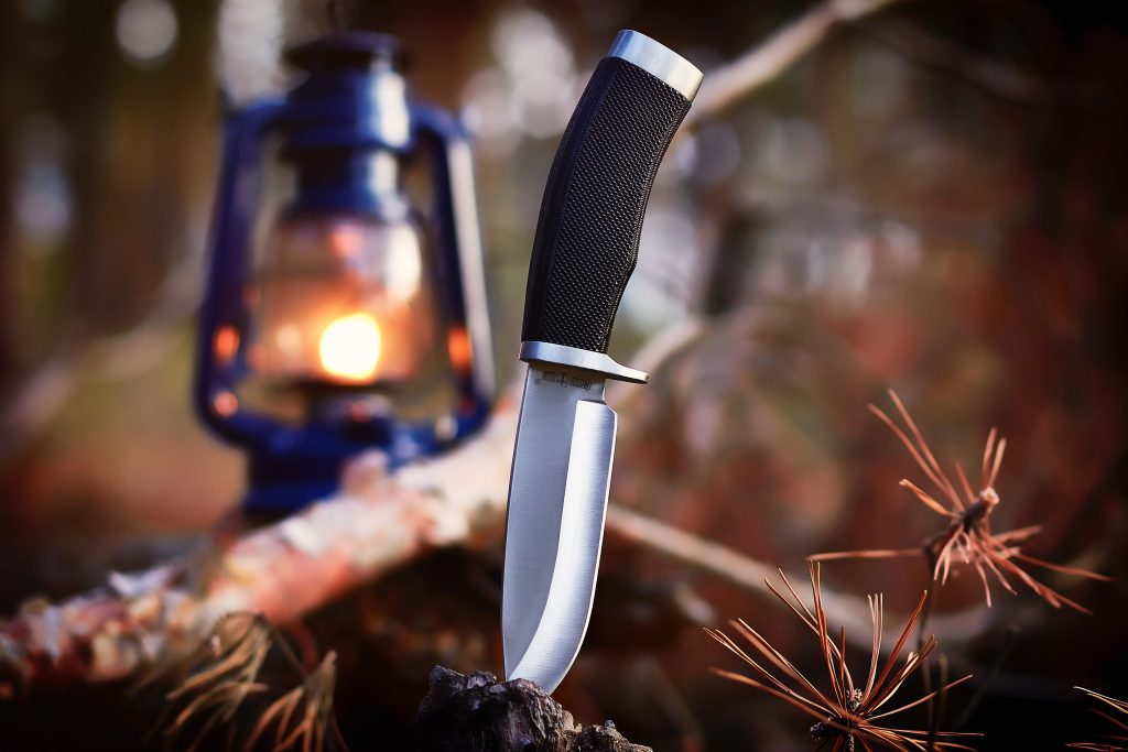 best-backpacking-knife-for-hiking-camping-2