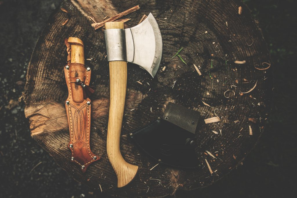 best-backpacking-knife-for-hiking-camping-5
