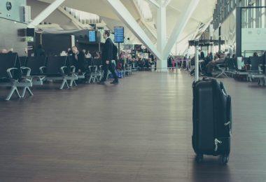 best-carry-on-garment-bag-for-travel