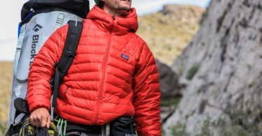 best-down-jackets-for-hiking-travel