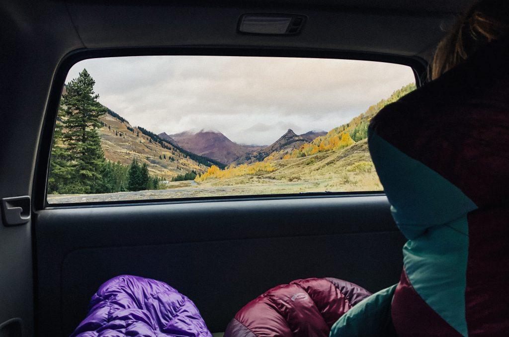 best-backpacking-sleeping-bag-under-100-06