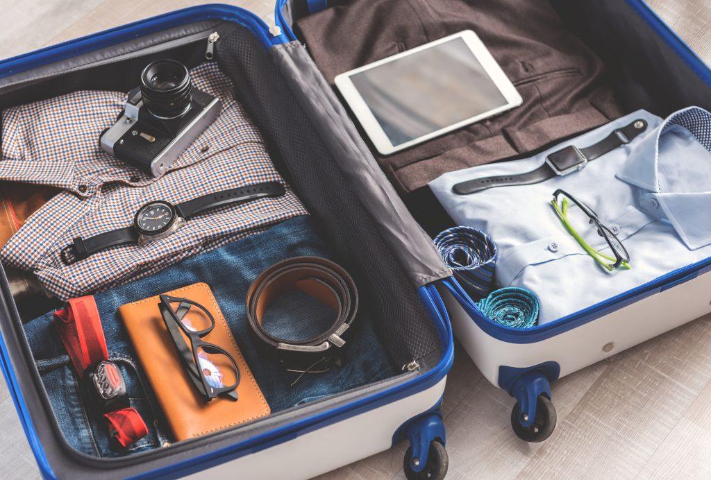 Tumi-vs-Rimowa-Luggage-Reviews-02