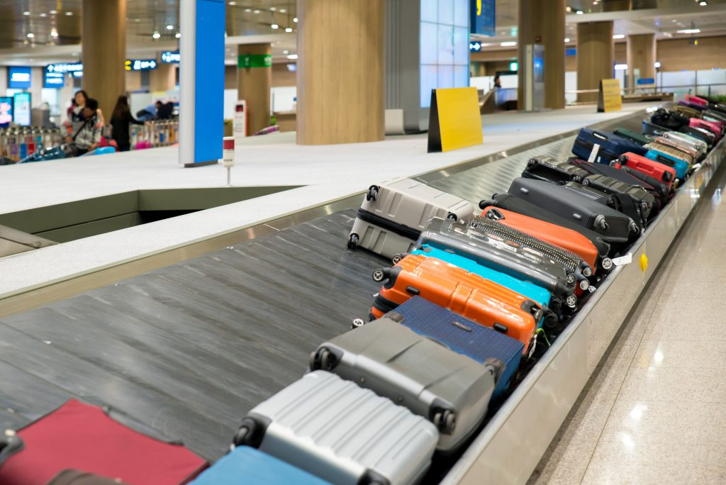 samsonite vs rimowa luggage 7