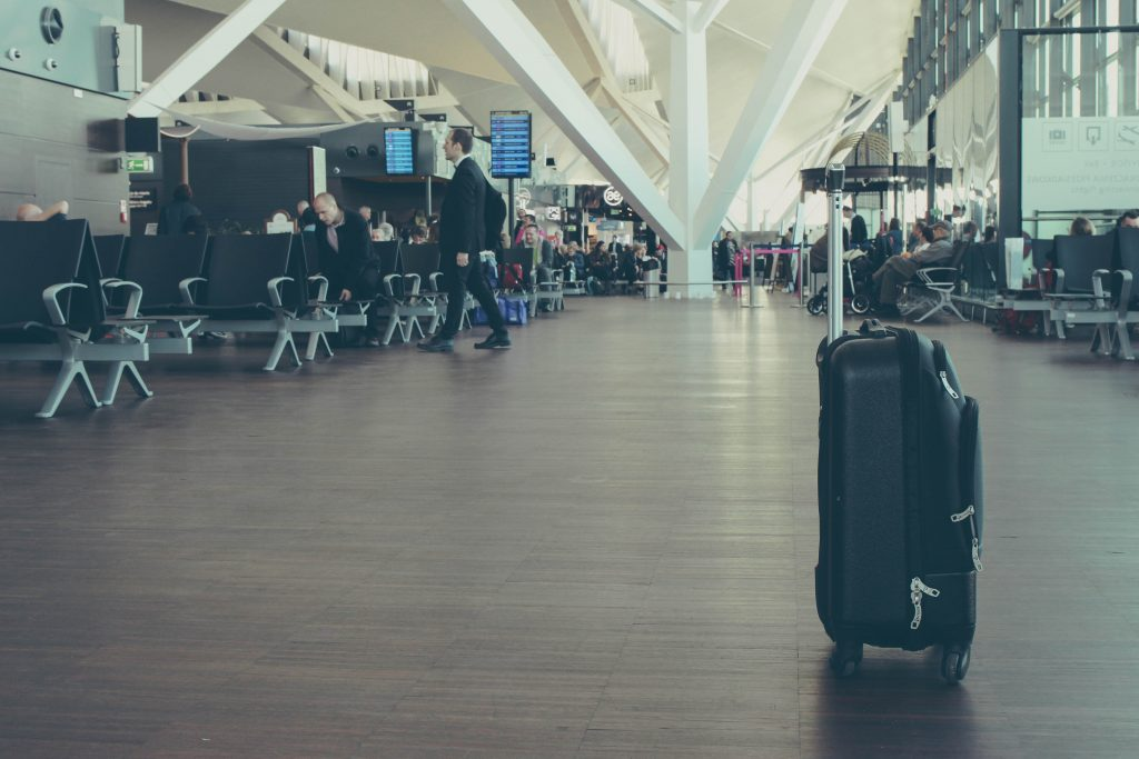 delsey-vs-samsonite-luggage-reviews