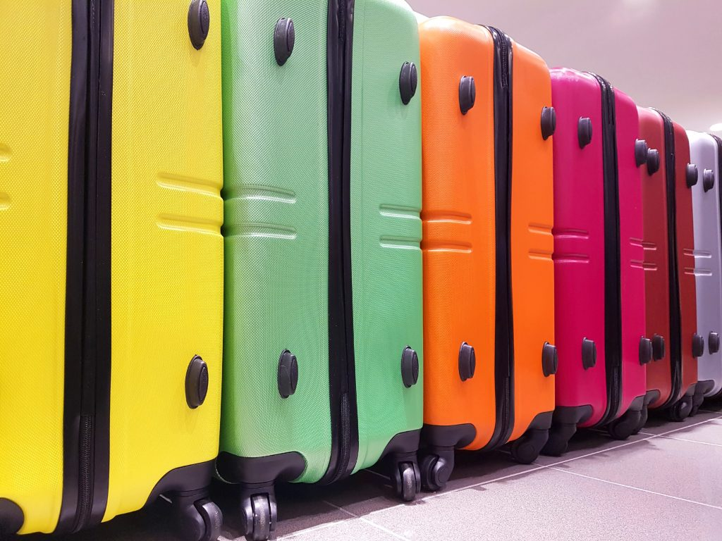 samsonite-vs-travelpro-suitcases