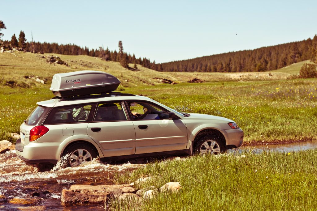 thule-vs-yakima-cargo-box-01