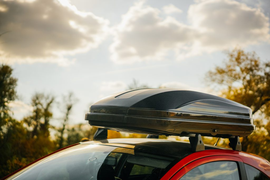 thule-vs-yakima-cargo-box-comparison