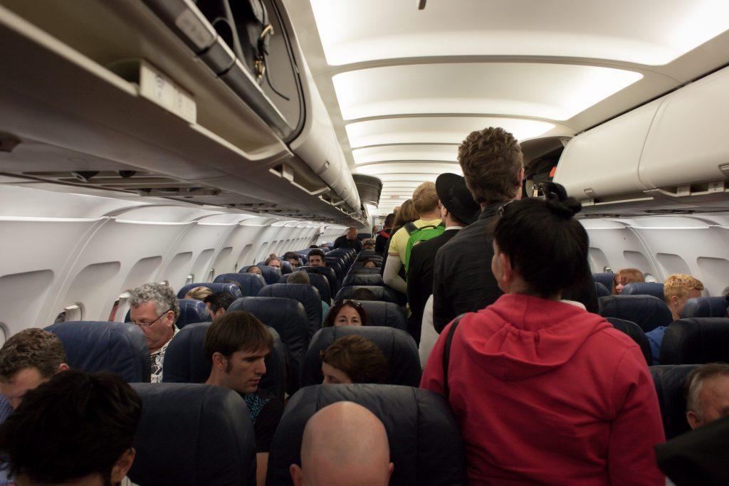 underseat-luggage-benefits-avoid-overhead-luggage