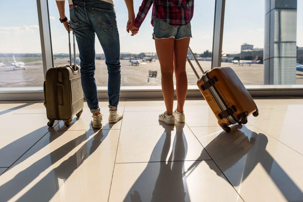 Away vs Raden Smart Luggage Comparison 02
