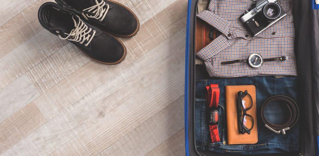 Away vs Raden Smart Luggage Comparison 04