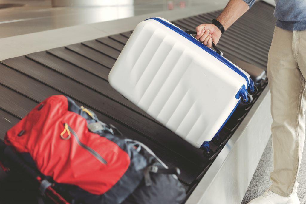 Away vs Raden Smart Luggage Comparison 05