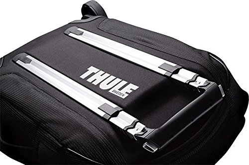 3b1d1364f182e The most interesting feature of this water resistant duffel bag with wheels  is the outer storage area. This is no regular pocket