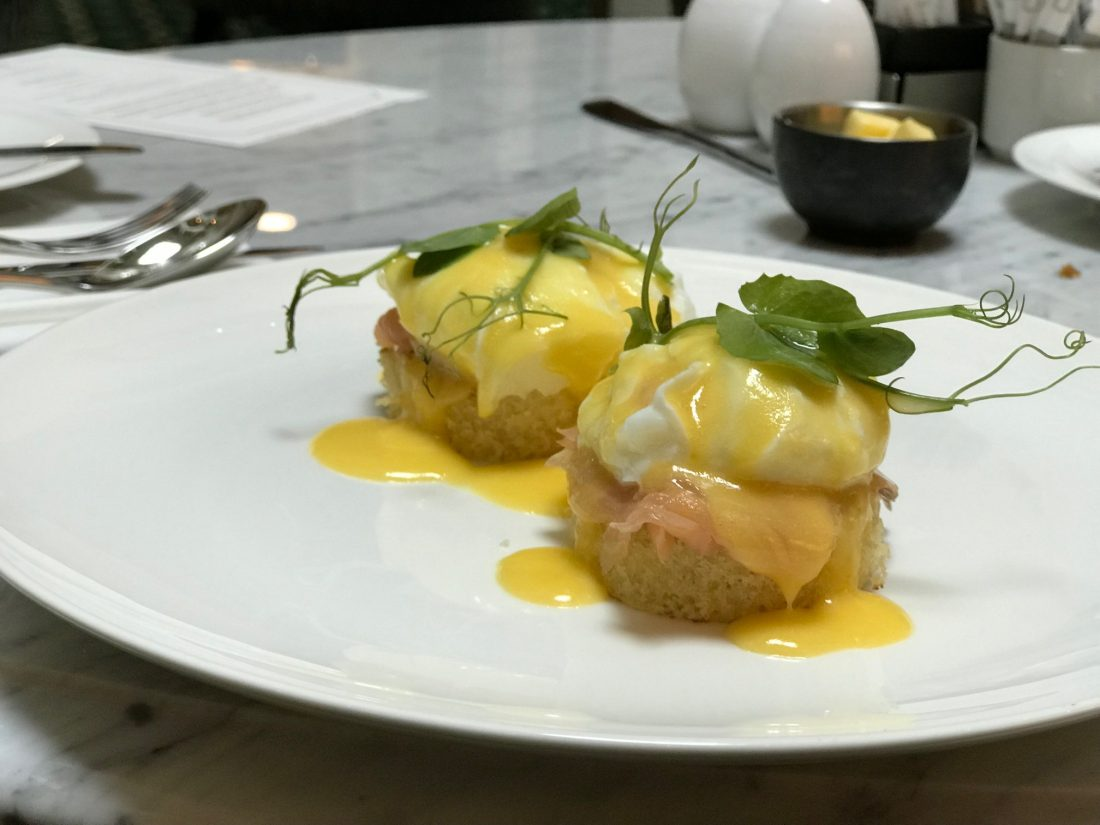Parisi Udvar Breakfast Egg Benedict