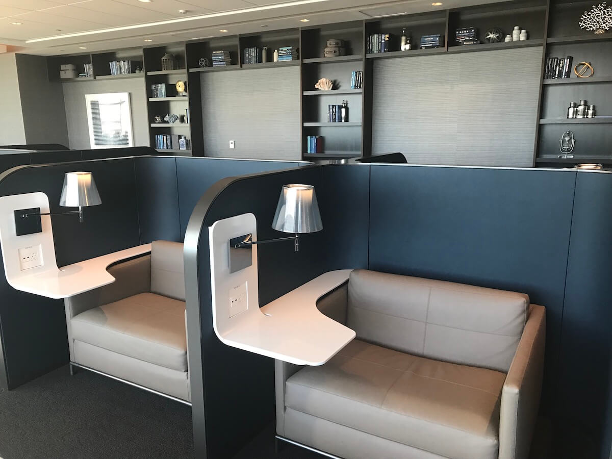 SFO-United-Polaris-Lounge-Semi-Private-Chairs