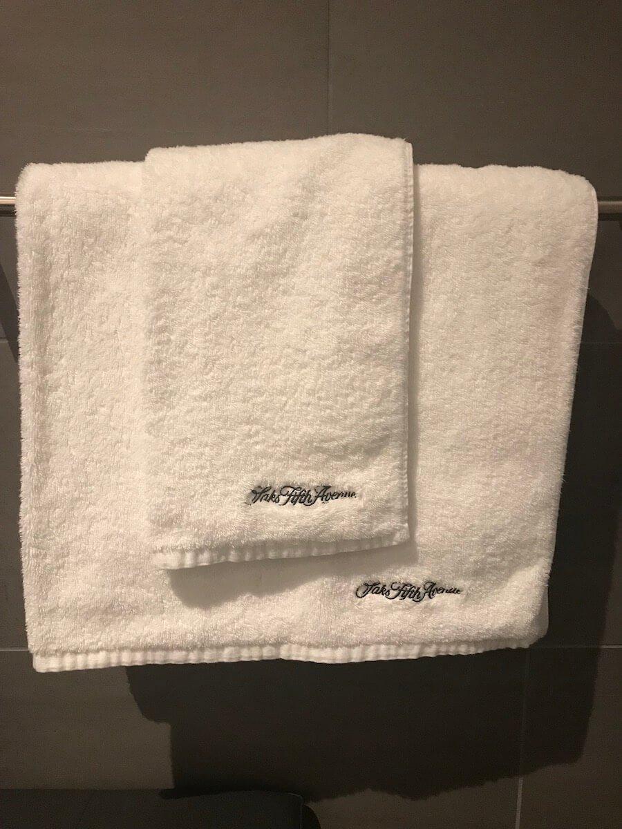 SFO-United-Polaris-Lounge-Shower-Suite-Towels